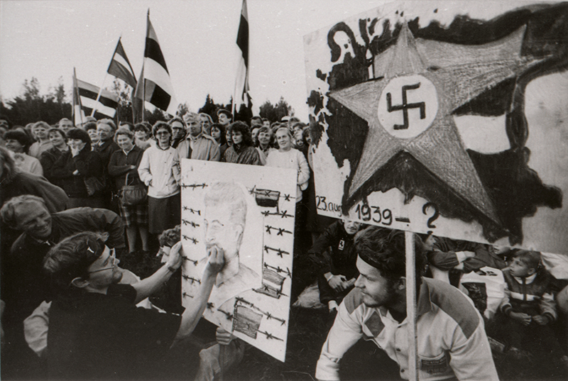 Participants in the Baltic Way, 1989.