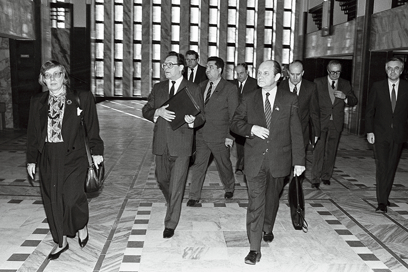 Meeting between the delegations of the Supreme Council of the Republic of Estonia and the Soviet Union on the issue of Estonian independence.